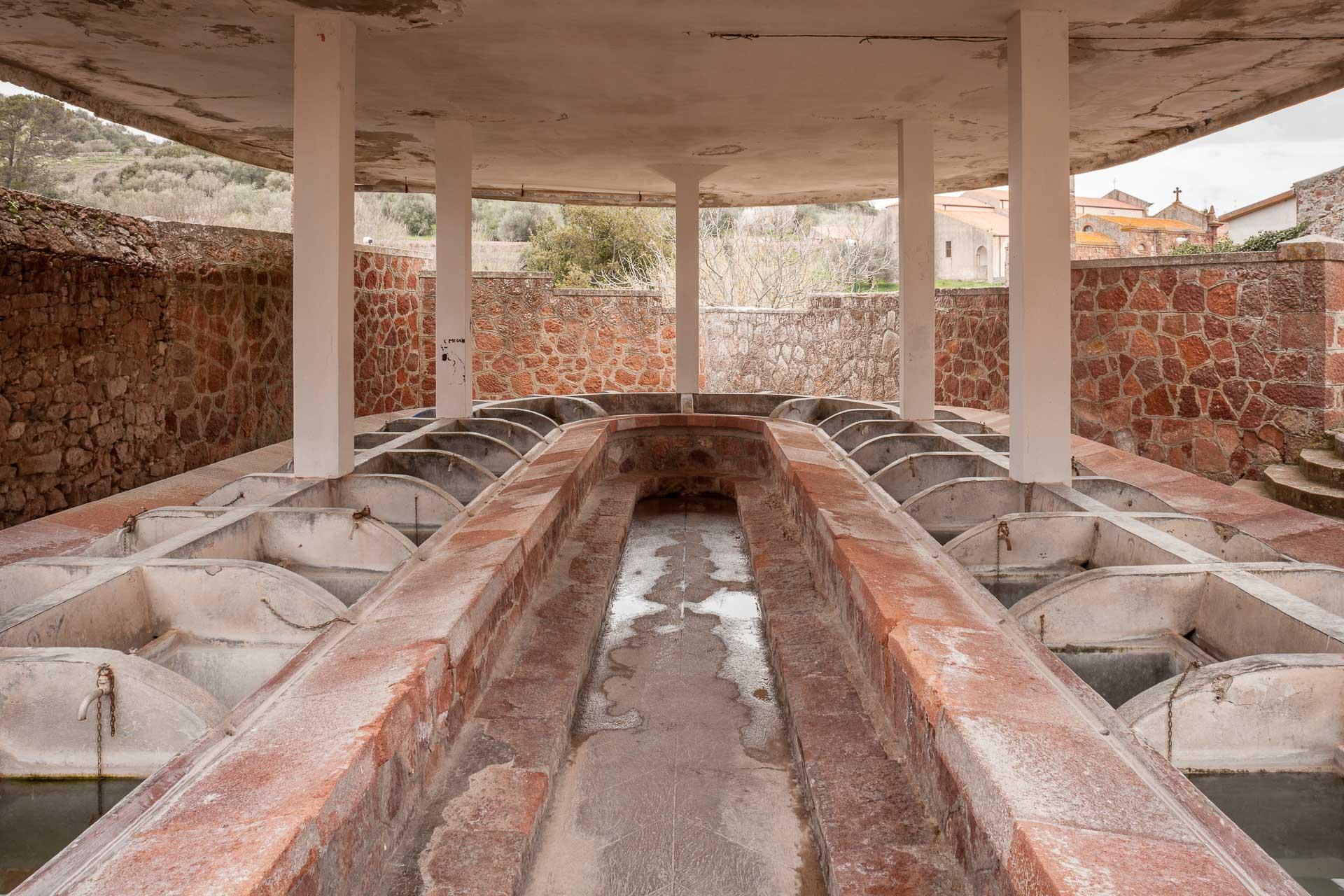 Banari, lavatoio presso Fontana de Josso